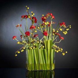 Aranjament floral design lux din flori rosii APPLE
