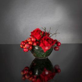 Aranjamente florale LUX - Aranjament floral mic decor festiv design LUX ETERNITY RED FRUIT BOUQUET