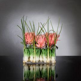 Aranjamente florale LUX - Aranjament floral decor festiv design LUX RECTANGULAR VASE PROTEA